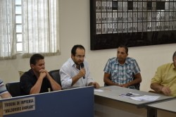 Vereador Manoel Brandão faz questionamentos durante reunião do CONSEG