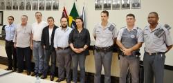 Membros da CESP (Comissão Especial de Segurança Pública) com  representantes das forças policiais.