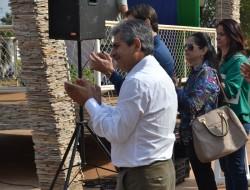 Autoridades aplaudem apresentação da Fanfarra Municipal.