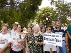 Membros da ONG Princesinha do Rio Pardo, homenageadas e autoridades.