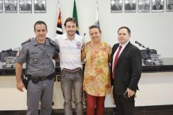 1º Tenente PM Rodrigo, Prefeito Maicon Lopes, Presidente da Câmara Municipal Fabiana Loureço da Silva e o Major e assessor do TJ-SP Vladimir Reis da Silva.
