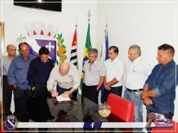Visita oficial do Secretário de Estado de Agricultura e Abastecimento Arnaldo Jardim. (Foto: facebook Prefeitura de Viradouro).