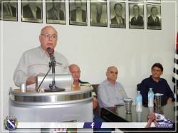 Secretário de Estado de Agricultura e Abastecimento Arnaldo Jardim discursa durante visita à Viradouro. (Foto: facebook Prefeitura de Viradouro).