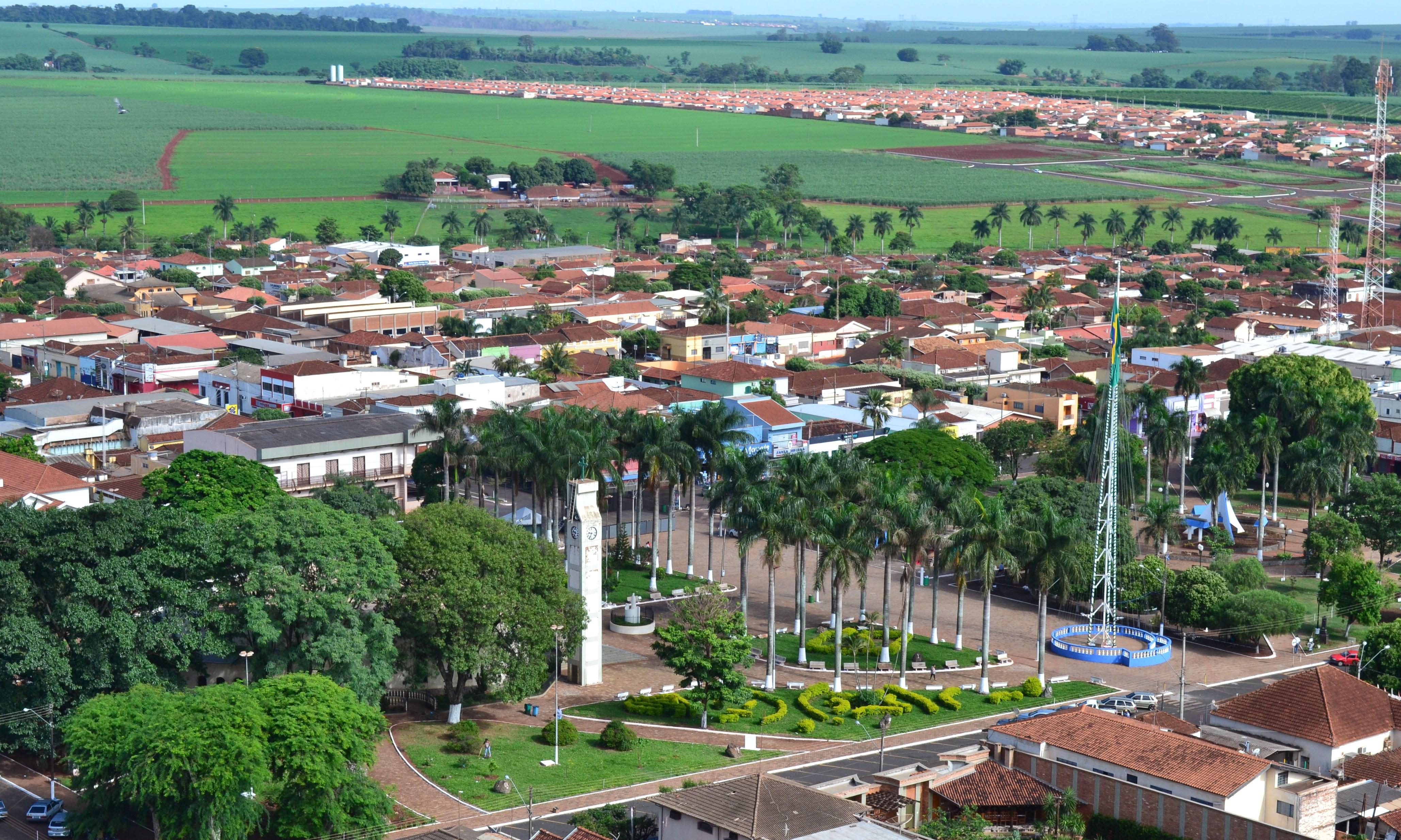 Praça da Matriz - Viradouro/SP  (Foto: Lucas Nunes)