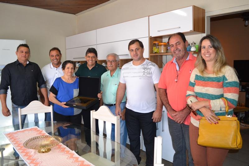 Sra. Geracina Margarido Veroneze recebe o Título de cidadã Viradourense.