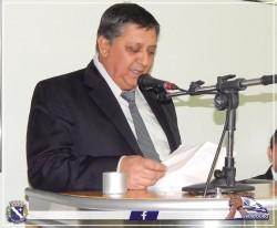 Vereador Edson Buganeme (Paraná) discursa durante Sessão Solene.