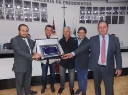 Sr. João Rodrigues da Silva recebe o Título de Cidadão Viradourense.
